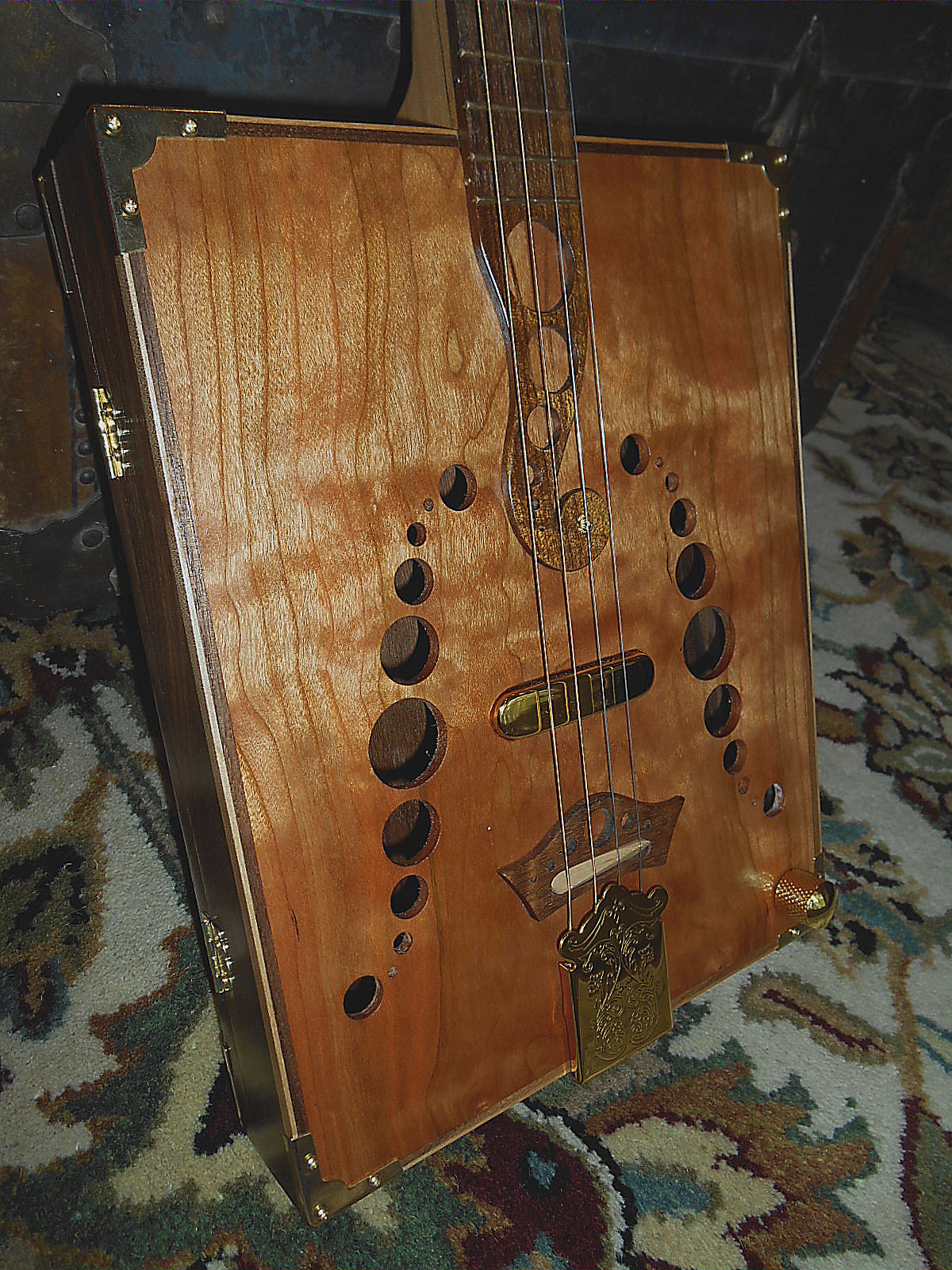 2015 c b gitty sound hole contest the how to repository for the cigar box guitar movement. Black Bedroom Furniture Sets. Home Design Ideas