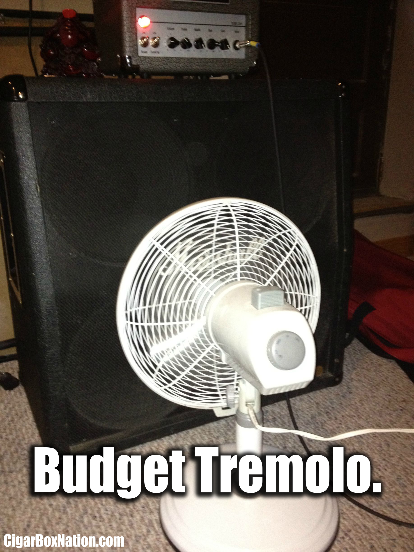 BUDGET TREMOLO PEDAL