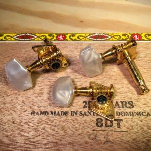 3 open gear tuners